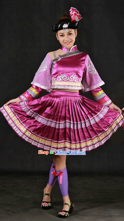 China Miao Ethnic Clothing and Hat for Women