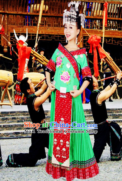 China Hmong Miao Green Clothes and Hat for Girls