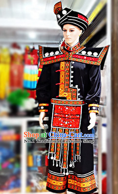 China Miao Minority Ethnic Clothes and Hat for Men
